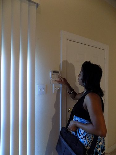 un installateur d'alarme à Antibes
